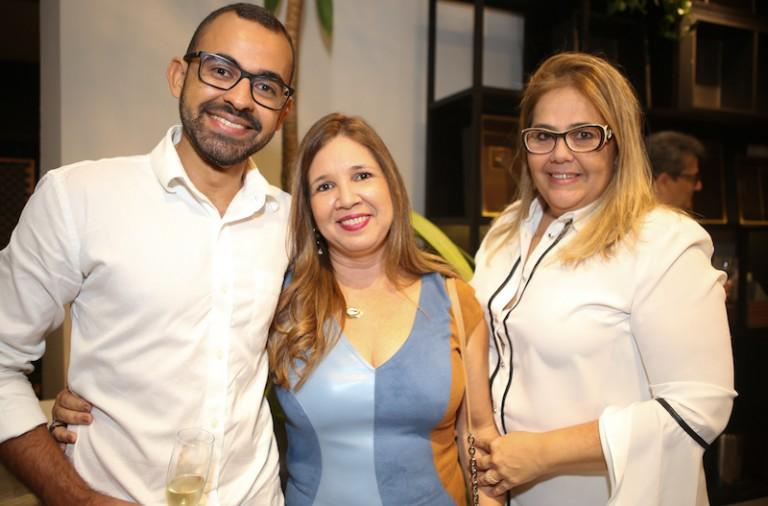 Helbert Oliveira, Dinah Lins e Virginia Santa Bárbara