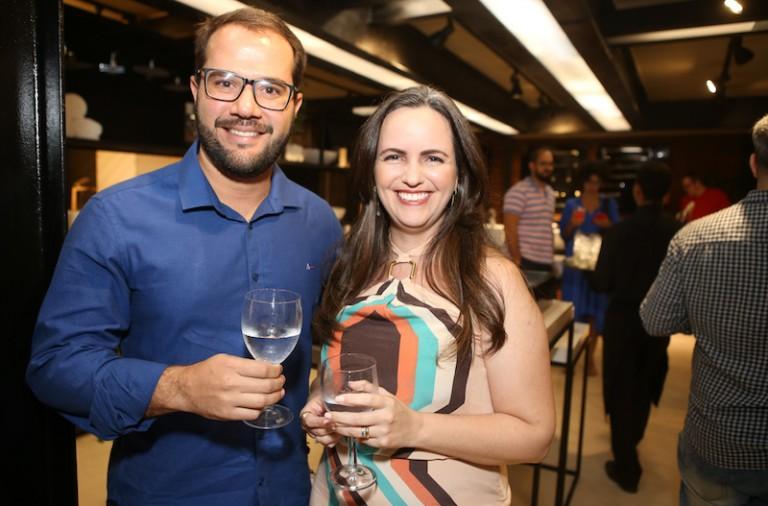 Thiago Aragão e Mila Liberato