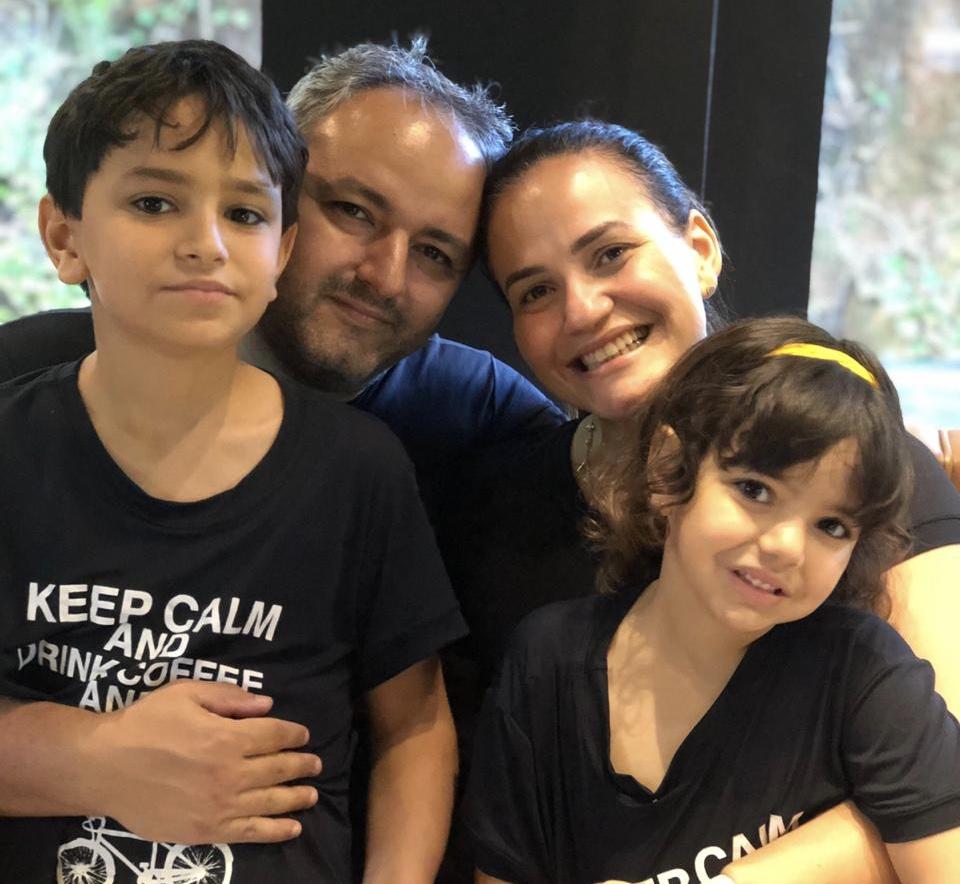 Dra Samira com o marido Zeca e os filhos Pedro e Alice