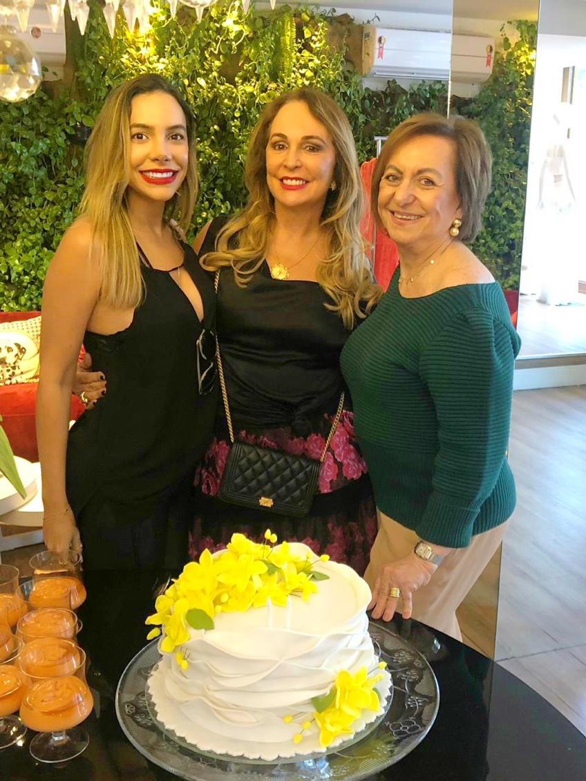 Anacecilia Rocha, Verônica Andrade e Regina Weckerle