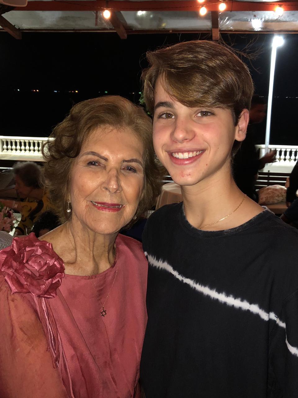 Gabriel e Tia Lé